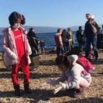 Sahili temizleyen öğrenciler öyle şeyler buldu ki!