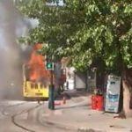Halk otobüsü alev alev yandı!