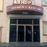 HDP'liler annelerin evlat nöbetine dayanamadı