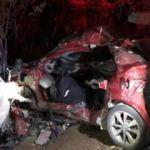 Kamyonet ile otomobil çarpıştı: 2 ölü, 3 yaralı