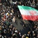 İran'da benzine yapılan zam sonrası sokaklar karıştı