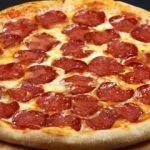 En kolay sucuklu pizza nasıl yapılır?