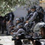 İsrail işgalde sınır tanımıyor! Kudüs'te cami kapattılar
