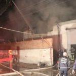 Tamirhanede çıkan yangında 13 araç zarar gördü