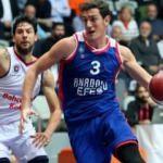 Anadolu Efes seriyi 6 maça çıkardı!