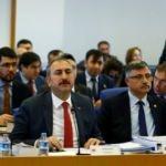 Bakan Gül'den HSK 'eleştirilerine' cevap:  Hayretle izliyorum