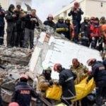 Deprem sorası ilk cuma namazında Arnavutluk'ta dua edildi