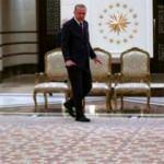 Erdoğan'ın tanıttığı halıyı 9 ay 24 saat çalışarak dokudular