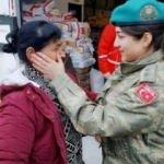 Gözyaşlarını Türk askeri sildi