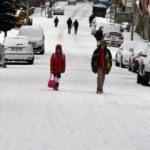 Kar yağışı etkisini artırdı: Tatil haberleri art arda geliyor