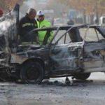 Ağaca çarpan otomobil, alev alıp, yandı