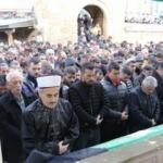 Camide bıçaklı saldırıya uğrayan kişi hayatını kaybetti