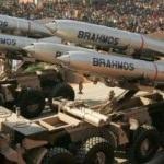 Dünyanın en hızlı füzesi Brahmos'a talip çıktı