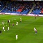 Türk asıllı stoperden muazzam gol!