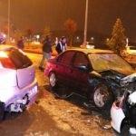 Otomobil kaza sonrası toplanan kalabalığa daldı