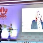 Bakanlıktan genç kadınlar liderlik programı açıklaması