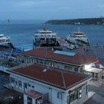 Çanakkale'de feribot seferlerine fırtına engel oldu