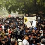 Hindistan'da gösteriler sürüyor! Öğrenciler protesto etti