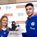 Schalke'de ayın futbolcusu Ozan Kabak!