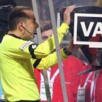 UEFA, VAR'da değişiklik için harekete geçiyor