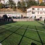 İstiklal Marşı'nın okunduğunu duyan hakem maçı durdurdu