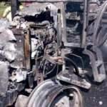 Aydın'da park halindeki 2 kamyon ve traktör yandı