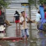 Endonezya'daki selde ölü sayısı 66'ya yükseldi