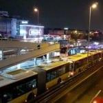 Metrobüs arızalandı, uzun kuyruklar oluştu
