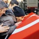 Şehidin cenazesine on binler akın etti