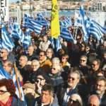 Atina yönetimi halkı sokaklara döktü!