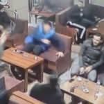 Bursa'da 2 kişinin silahla yaralanma anı kamerada