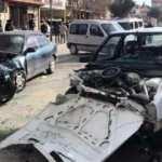 Isparta'da iki araç kafa kafaya çarpıştı: 5 yaralı