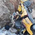 Sivas'ta feci kaza: 2 ölü 1 yaralı