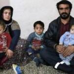 Evlerinin kapısı olmayan aile gece akrep korkusundan uyuyamıyorlar