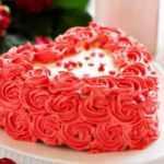 Kalpli yaş pasta nasıl yapılır? Pratik pasta tarifi