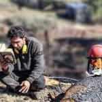 Orman işçisinin kitap okuma aşkı