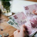 Ticariler için ücret ve komisyonlara ilişkin düzenleme ertelendi