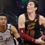 Cedi Osman'lı Cavaliers San Antonio Spurs'ü devirdi