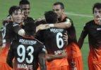 Adanaspor evinde Denizlispor'u devirdi