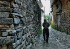 Arnavut kaldırımlarında yürümeyin