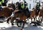 Atlı polislerden eylemcilere çok sert müdahale