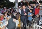 Bakan Müezzinoğlu iftarını yetimlerle açtı