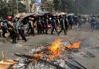 Bangladeş'te siyasi kriz derinleşiyor