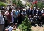 Başbağlar'da 33 kişi için gözyaşı döküldü