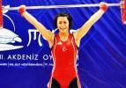 Bir altın madalyada Emine Şensoy'dan