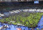 Fransa'daki patlama stadyumdan duyuldu