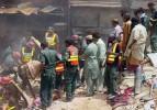 Hindistan'da 3 katlı bina çöktü: 6 ölü