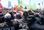 İzmir'de 11'i polis 13 yaralı