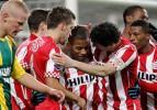 Lider PSV evinde gol yağdırdı