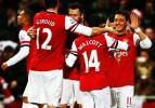 Mesut attı Arsenal turladı!
